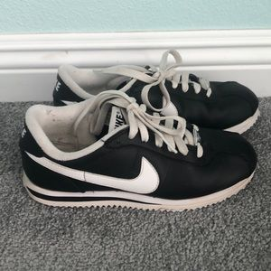 Nike Cortez tennis shoes